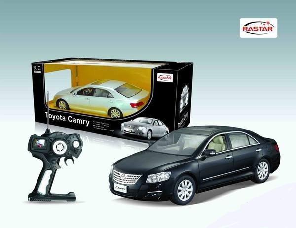 Машина радиоуправляемая  Toyota Camry 3 цвета  /33296/RASTAR