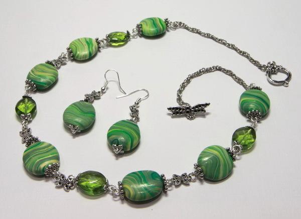 Бижутерия Зеленое колье и серьги