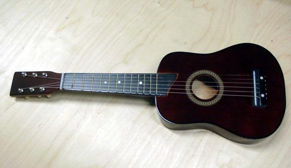 Гитара со струнами, 25 дюймов /РТ